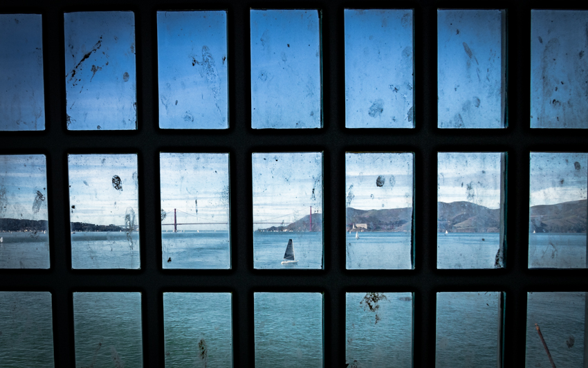 alcatraz view of golden gate bridge